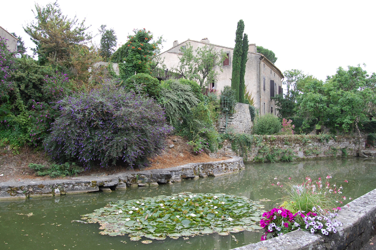 Languedoc-roussillon holiday accommodation near Issel Village
